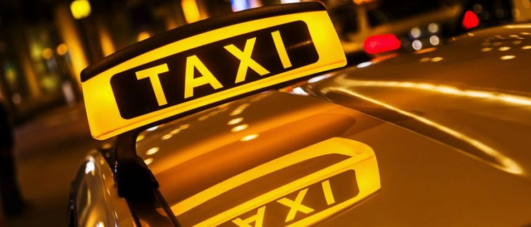 Устроиться в такси на своей машине